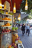 Fresh juice stall in Dizengoff street in the centre of town, Tel Aviv, Israel, Middle East