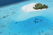 Aerial view of tropical island with lagoon, Maldives, Indian Ocean, Asia