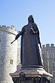 Statue of Queen Victoria outside Windsor Castle, Windsor, Berkshire, England, United Kingdom, Europe