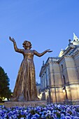Statue of Wenche Foss outside the National Theatre, Oslo, Norway, Scandinavia, Europe
