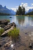 Spirit Island, Maligne Lake, Jasper National Park, UNESCO World Heritage Site, British Columbia, Rocky Mountains, Canada, North America