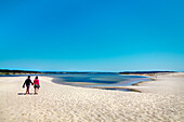 Couple on the beach, lagoon, Praia de Santo Andre, Santiago do Cacem, Costa Vicentina, Alentejo, Portugal