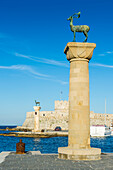 The deer, symbol of the city, at the entrance to Mandraki harbour, the Medieval Old Town of the City of Rhodes, Rhodes, Dodecanese Islands, Greek Islands, Greece, Europe