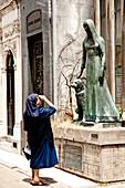 Nun In Cementerio De Recoleta, Recoleta, Buenos Aires, Argentina