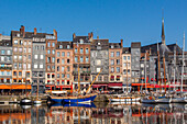 view of the old port of honfleur, marina, honfleur, (14) calvados, lower normandy region, france