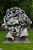 statue de siegfrid wolske representant le visage du compositeur allemand ludwig van beethoven, bonn, land de rhenanie-du-nord-westphalie, allemagne