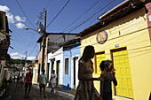 Rua das Pedres, shops and restaurants, cobblestone streets, the center of Lencois, the main town, starting point for Chapada Diamantina National Park, Bahia, Brazil