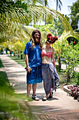 Tourist couple Josh and Anna, from America and Sweden, on their get together trip, Cherai Beach Resort, Cherai Beach, Vypeen Island just north of Kochi, Kerala, India