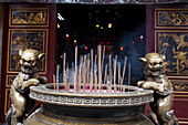 Incense sticks at a chinese temple in Kaohsiung, Taiwan, Republik China, Asia
