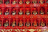 Chinesische Figuren in einem Tempel in Kaohsiung, Taiwan, Republik China, Asien