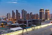 Dämmerung, Hochhäuser, Gegend West Bund, Expo 2010 Gelände, Blick von Shanghai Power Station of Art, Kunst, Museum, Schanghai, Shanghai, China, Asien