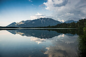 Barmsee with reflection of the mountains, Kruen, near Mittenwald, Upper Bavaria, Bavaria, Germany