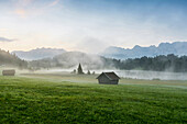 Sunrise at Lake Geroldsee, Wagenbruechsee, Kruen, near Garmisch-Partenkirchen, Upper Bavaria, Bavaria, Germany