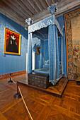 A royal bed in Chateau de Chambord, UNESCO World Heritage Site, Loir-et-Cher, Centre, France, Europe