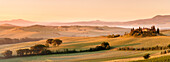 Farm house Belvedere at sunrise, near San Quirico, Val d'Orcia Orcia Valley, UNESCO World Heritage Site, Siena Province, Tuscany, Italy, Europe