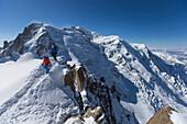 Mountaineer at Cosmicgrat, Aiguille du Midi 3842 m, Chamonix, France