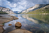 Tranquil Tenaya Lake alongside the Tioga Pass, Yosemite National Park, UNESCO World Heritage Site, California, United States of America, North America