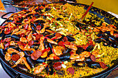 Paella pan, crabs, mussels, salami, rice, Bretagne, France, Europe