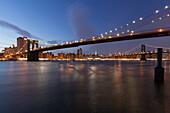 Manhattan Bridge, Williamsburg Bridge, East River, Skyline of Manhattan, New York, USA
