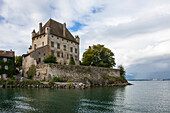 Chateau on the lake edge at the Medieval village of Yvoire, Lake Leman Lake Geneva, Haute Savoie, Rhone-Alpes, France, Europe