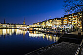 Christmas illuminations at the Binnenalster with view to the Jungfernstieg in Hamburg, north Germany, Germany
