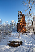Sandstone rock formations near Annweiler covered in snow, Asnweiler, Palatinate Forest, Rhineland-Palatinate, Germany
