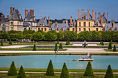 the grand parterre flowerbed, french-style gardens, chateau de fontainebleau national museum, palace and residence of the kings of france from francis i to napoleon iii, fontainebleau, (77) seine et marne, ile de france, france