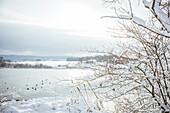 Winter am Bucher Stausee, Rainau, bei Aalen, Ostalbkreis, Baden-Württemberg, Deutschland