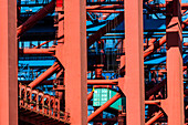 Unload of a container from the storeroom of a big container vessel, Hamburg, Germany