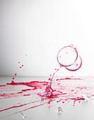 Glas Sturz, Rotweinglas, Glasbruch, Scherben