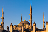 Blue Mosque, Sultan-Ahmed-Moschee, minarets and the dome of the mosque in the morning light, Istanbul, Turkey