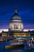 England, London, The City, St. Paul´s Cathedral from One New Change, dusk.