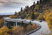 USA, North Carolina, Linville, Linn Cove Viaduct that goes around Grandfather Mountain on the Blue Ridge Parkway, autumn.