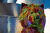 Puppy, by Jeff Koons. Guggenheim Museum, Bilbao, Bizkaia, Basque Country, Spain, Europe.