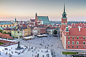 Plac Zamkowy square, The Royal Castle and Zygmunt column, Warsaw, Poland.