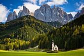 Saint Johann Church below the Geisler Spitzen, Dolomites, Val di Funes, Trentino-Alto-Adige, Italy.