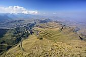 View from Rhino Peak down to Mzimkhulu Valley, Rhino Peak, Garden Castle, Mzimkhulu Wilderness Area, Drakensberg, uKhahlamba-Drakensberg Park, UNESCO World Heritage Site Maloti-Drakensberg-Park, KwaZulu-Natal, South Africa