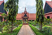 The National Museum of Phnom Penh. The museum houses is one of the world´s largest collections of Khmer art, including sculptural, ceramics, bronzes, and ethnographic objects. Daun Penh District, Phnom Penh, Cambodia, Southeast Asia.