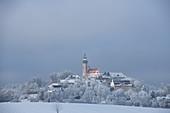 Kloster Andechs im Winter, Oberbayern, Bayern, Deutschland