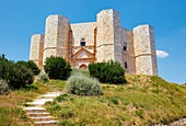 Castel Del Monte, Andria, Puglia, Italy, Europe.The 13th century Castle of the Mountain was built in the 1240´s by Frederik II and is a UNESCO world heritage site.
