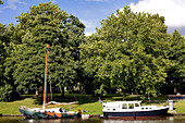 Netherlands, Friesland Province, Leeuwarden, Noorder Stradsgracht, pleasure boats