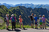 Hikers, viewpoint at Nebelhorn, near Oberstdorf, Allgaeu Alps, Allgaeu, Bavaria, Germany
