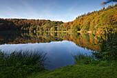 Holzmaar, near Daun, Eifelsteig hiking trail, Eifel, Rhineland-Palatinate, Germany