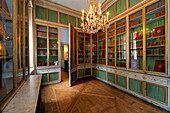 France, Yvelines, Chateau de Versailles, listed as World Heritage by UNESCO, the Queen's inner chambers, Marie Antoinette's bookcase