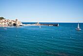 Bay of Collioure, Côte Vermeille, Mediterranean Sea, Pyrénées Orientales, Occitanie, Languedoc Roussillon, France