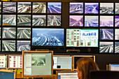 Traffic Management Centre Hanover, traffic control, monitoring, surveillance, German Autobahn, motorway, freeway, speed, speed limit, traffic, infrastructure, Germany