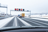 German Autobahn, A 2, Autobahn maintenance workers, winter road clearance, snow plough, motorway, freeway, speed, speed limit, traffic, road conditions, infrastructure, Germany