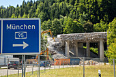 slip way, German Autobahn, A 95, access sign for Münich, demolition of a bridge, motorway, highway, freeway, speed, speed limit, traffic, fence, hills, Bavaria, Germany