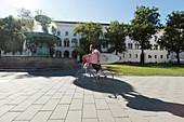Surfer, Universität, München, Bayern, Deutschland