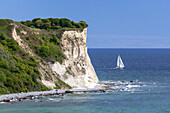 Cliffs  of Cape Arkona with sailing boat, Peninsula Wittow, Island Ruegen, Baltic Sea coast, Mecklenburg-Western Pomerania, Northern Germany, Germany, Europe